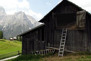 montagna mountain italy italia augustaonida fienile layloft altoadige crodarossa fieno lay albero dolomiti patrimoniounesco woodhouse vacanze holidays