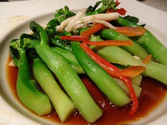 Steamed Chinese Broccoli @Shanghairenjia Rwstaurant, Shanghai (Phreddie) Tags: china park food chicken cuisine restaurant 131104 yum shanghai chinese delicious pork eat zongshan
