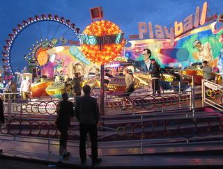 Looking at the fun, Oktoberfest, München, Germany