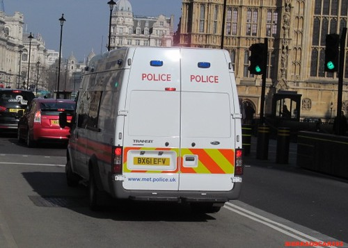 Metropolitan police-ford transit-safer transport command officer carrier-BX61 EFV-JGE