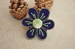 Flower brooch (GalleeValley) Tags: pin handmade brooch felt zipper accessories recycle feltbrooch
