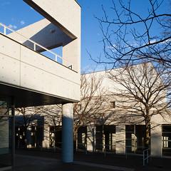 fujisawa - keio university shonan campus 8 (Doctor Casino) Tags: architecture campus architect squarecrop fumihikomaki keidai keiouniversity shonanfujisawa 19901994 makifumihiko keiōgijukudaigaku shonanfujisawakanpasu
