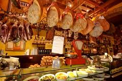Tuscany / La Barrocciaia (Arnaud Bachelard) Tags: italia mare wine olive tuscany cypress vin toscana toscane livorno vino olivo cyprs