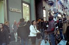 smiles and people (nuamba) Tags: street people color film kodak smiles napoli ricoh kr10x nuamba