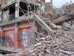 Dmolition de la Tour 13, Paris XIIIe (Yvette Gauthier) Tags: streetart paris immeuble paris13 dmolition tour13
