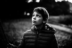 Portrait en lumière froide de l'hiver bleu (PaxaMik) Tags: portrait portraitnoiretblanc hiver parc lumière cold light winter contraste visage face b§w black noiretblanc noir n§b