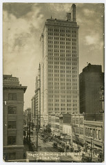 Magnolia Building, 29 Stories, Dallas, Texas (SMU Central University Libraries) Tags: automobiles commercialbuildings tallbuildings