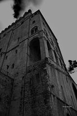 Medieval Skyscraper (RoyBatty83) Tags: pentax pentaxk5 k5 pentaxiani pentaxda1855wr pentaxda1855alwr tappo tappowr pentaxkitlenses pentaxkitlense da1855wr 1855 pentaxlense gubbio italy italian culture medievalcity borghi borghimedievali medioevo storia history biancoenero blackandwhite bw bn monocromo perugia eugubine