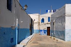 RABAT  MAROC (jc.dazat) Tags: rabat maroc kasbahdesoudayas village rue street bleublanc extérieur couleurs colours color lampadaire photo photographe photographie photography nikon jcdazat