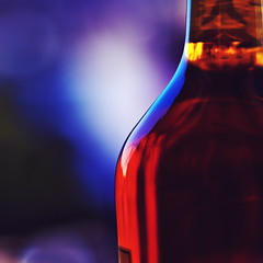 IMGP1476 (maurizio siani) Tags: napoli naples italia italy aprile primavera 2017 città city whisky alcool bevanda distillato fermentazione bottiglia particolare sfocato sfocare pentax k70 18135mm 50mm intenso contrasto contrasti particolari sfocatura