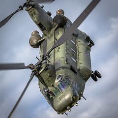 "Boeing CH 47 HC.2 ""Chinook Handling"" 28 Sqn ZA710 (mattyste92) Tags: chinook chopper aircraft aviation avgeek raf wokka heli helicopter takeoff fly flight flying canon 1dx 70200ii 28 rafodiham odiham"