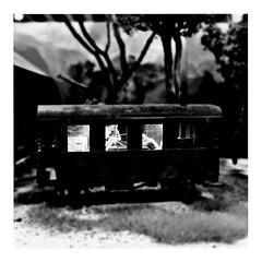 a hard day's night (japanese forms) Tags: ©japaneseforms2017 ボケ ボケ味 モノクロ 日本フォーム 黒と白 bw blackwhite blackandwhite blancoynegro bokeh eisenbahnwagen monochrome railwaywagon schwarzweis spoorwegwagen square squareformat vlaanderen zwartwit thebeatles