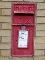 GL20 131 - Stratford Bridge 130328 (maljoe) Tags: postbox royalmail eiir gl20