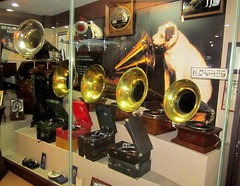 "Korea Gangneung rare vintage gramophones on display at Edison gramophone musuem - ""78 rpm - the right speed!"" (moreska) Tags: travel dog history tourism vintage asia korea oldschool displays shellac acoustic inventions antiques machines horn talking museums brass edison nipper crank 1900s hmv gramophones phonographs gangneung 78rpm turnofthecentury windups victrolas"