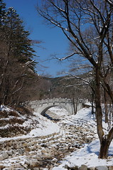 Seoraksan National Park (H.e.l.e.n.) Tags: bridge winter snow mountains river rocks rocky korea seoraksan trip2013