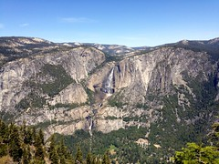 Yosemite National Park from the peak of Glacier Point (Alex Lenkei) Tags: california yosemitenationalpark glacierpoint loweryosemitefalls