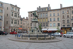 Place Saint-Epvre - Nancy (France) (Meteorry) Tags: street france fountain bronze square europe may nancy rue lorraine pinocchio fontaine schiff meteorry 2013 renii meurtheetmoselle saintepvre placesaintepvre stepvre mathiasschiff