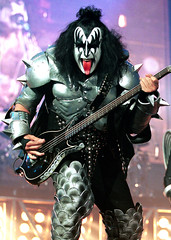 37173401kiss_20010628_05981.jpg (Miguel666.1) Tags: rock kiss unitedstates gene band nj entertainment half simmons length performs eastrutherford