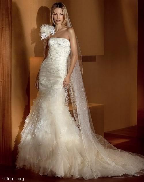 Vestido de noiva de luxo com renda