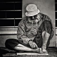 Sleeping Beggar (Beirut, Lebanon. Gustavo Thomas  2013) (Gustavo Thomas) Tags: street sleeping blackandwhite bw lebanon blancoynegro monochrome calle poor middleeast streetphotography beggar beirut rue bnw biancoenero dur