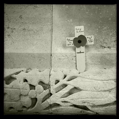 monument de Thiepval (filzofi) Tags: world bw monument soldier war remember cross military nb poppy battlefield 1914 worldwar coquelicot croix 1916 somme