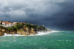 Lekeitio (Mimadeo) Tags: sea wild sky cliff cloud seascape storm nature water rain weather clouds danger dark landscape coast spain rocks waves power shoreline dramatic wave overcast stormy cliffs spray foam coastline rough splash tempest sunrays seashore basque basq