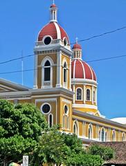 Catedral de Granada (zorro1945) Tags: yellow cupola granada nicaragua centralamerica centroamerica catedraldegranada reddome granadacathedral