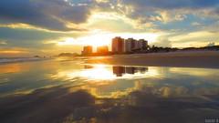 Itanhaém, SP (sarabatera) Tags: sun sol sky céu walking caminhada natureza paisagem mar ocean sand sunset reflexos reflection light sunlight luzdosol itanhaém sp sãopaulo praiasdesãopaulo praiasdesp