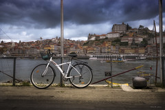 Transporte alternativo ... (Víctor.M.Chacón) Tags: víctormchacón xt2 bicicleta