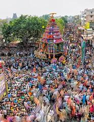 Moving Crowds (Padmanabhan Rangarajan) Tags: mylapore kapaleeswarantemple crowds festival carfestival chariot chennai hinduism hindu