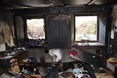HausBrand048 (hgyx) Tags: feuer brand zerstörung erkalten spuren
