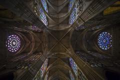 Catedral de León (Jose Feito - www.atravesdelprisma.com) Tags: catedral iglesia leon viaje interior vidrieras españa culto arquitectura gotico