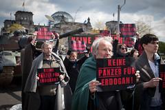 panzer_17-04-26_20 (campact) Tags: panzer türkei rheinmetall erdogan aktion paullöbehaus bundestag protest berlin campact demo gesine lötzsch tobias lindner