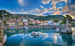 Επιστροφή στο λιμάνι Return at the port (Dimitil) Tags: nafpaktos lepando greece hellas boats sunrise clouds sky port reflections castle lighthouse sea water