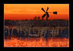 Noord-Hollands landschap (Ger Veuger) Tags: landschap landscape abstract abstractlandschap abstractlandscape noordholland noordhollandslandscha dutchlandscape collage abstractedigitalecollage abstractdigitalcollage rood oranje red blue textures weidemolentje windmill zonsondergang sunset horizon