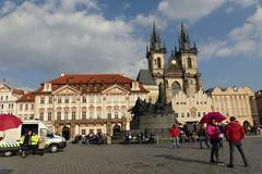 The Jan Hus Memorial... Old Town Square (Hythe Eye) Tags: prague praha czechrepublic sunshine oldtownsquare churchofourladybeforetýn thejanhusmemorial