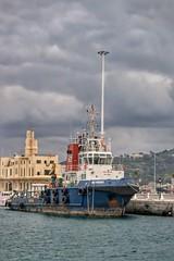 Puerto de Ceuta (anyera2015) Tags: ceuta canon canon70d puerto remolcador muelle barco