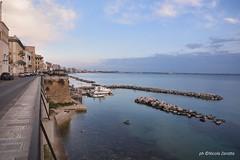 la ringhiera (NIKOZAR (Nicola Zaratta)) Tags: nikond750 taranto nikkor24120mmf4 mare puglia ringhiera barche marina