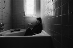 IMG_20170413_0038 (david_z_norton) Tags: 35mm delta100 f100 ilford nikon bath bathroom bathtub film hardlight offcameraflash onelight selfportrait strobist tub