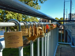 Love locks (sander_sloots) Tags: love locks claisebrook cove perth bridge tree brug sloten boom assa abloy lockwood