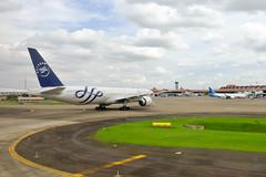 Garuda Skyteam 777 (A. Wee) Tags: jakarta indonesia 雅加达 cgk airport 机场 印尼 boeing 777 777300er garudaindonesia skyteam