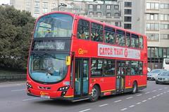 WVL300 LX59 CZT (ANDY'S UK TRANSPORT PAGE) Tags: buses london hydeparkcorner goaheadlondon