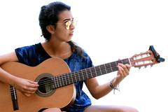 time is dancing (Cristina Seijas) Tags: silvia friend amiga amistad friendship guitar guitarra music música girl chica blanco white gafasdesol sunglasses gafas azul blue