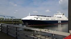De brug van Sluiskil is open (Omroep Zeeland) Tags: sluiskil brug schepen varen