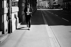 ecoreal (gato-gato-gato) Tags: 35mm ch contax contaxt2 iso400 ilford ls600 noritsu noritsuls600 schweiz strasse street streetphotographer streetphotography streettogs suisse svizzera switzerland t2 zueri zuerich zurigo z¸rich analog analogphotography believeinfilm film filmisnotdead filmphotography flickr gatogatogato gatogatogatoch homedeveloped pointandshoot streetphoto streetpic tobiasgaulkech wwwgatogatogatoch zürich black white schwarz weiss bw blanco negro monochrom monochrome blanc noir strase onthestreets mensch person human pedestrian fussgänger fusgänger passant sviss zwitserland isviçre zurich autofocus
