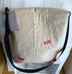 custom order (monaw2008) Tags: art bag handmade linen quilted applique handbag reused vintagelinen recessedzipper monaw monaw2008