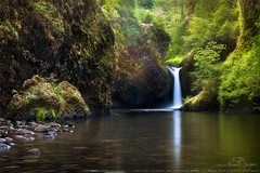 Punchbowl Falls (HowardASnyder) Tags: sunset usa oregon waterfall seascapes or gorge columbiagorge capekiwanda howardsnyder