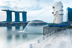 Merlion (lunarlynx) Tags: morning travel sky reflection travelling tourism water fountain beautiful clouds sunrise canon asian hotel bay singapore asia ship waterfront symbol famous ngc sightseeing professional explore national destination 5d exploration merlion singapura touristic discover waterscape marinabay famousplaces путешествия southwestasia famoussights 新加坡共和国 marinabaysands достопримечательности сингапур 5dmarkii