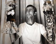 MANUEL Y LOS PRIMEROS TITERES DEL GUIÑOL DE CIENFUEGOS (GlendaBoza) Tags: cuba marionetas cienfuegos titeres guiñol titiritero teatroparaniños justogonzálezortega agenciacubanadenoticias manuelávila lavacateca pelusindelmonte