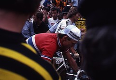 1982 World Cycling Champ036 (Tim Callaghan) Tags: cycling jones 1982 bikes flags kelly 35mmslides roads crowds goodwood lemond saroni worldroadracechampionships
